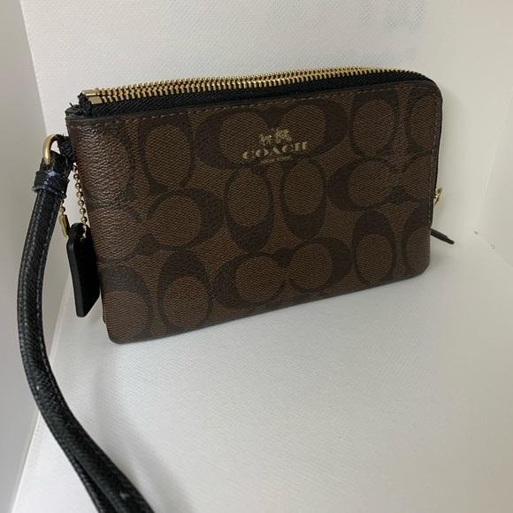 Coach Handbags - Coach Double Zip Wristlet